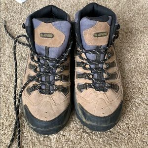 Size 5 Hi-Tec hiking boots